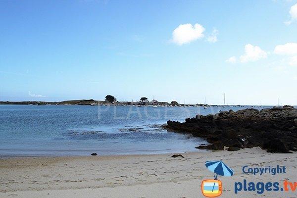 Rochers sur la plage de Bassinig à Plouguerneau