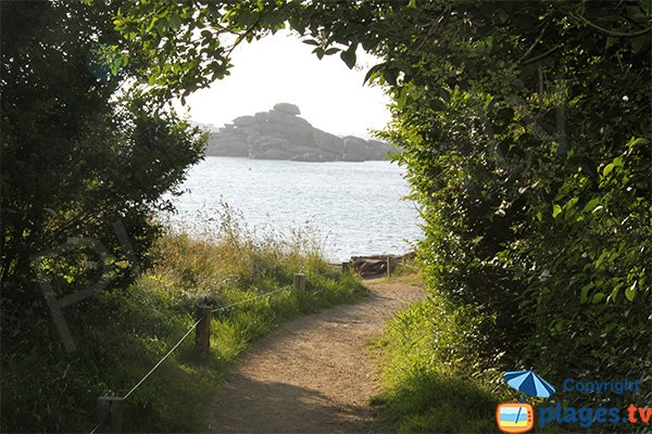Access to Bastille cove - Perros-Guirec
