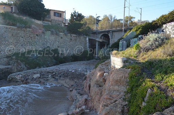 Access to the Batterie beach of Cannes (Golfe Juan)