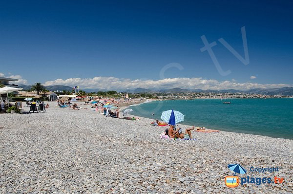 Spiaggia della Batterie si affaccia sulla Baia degli Angeli