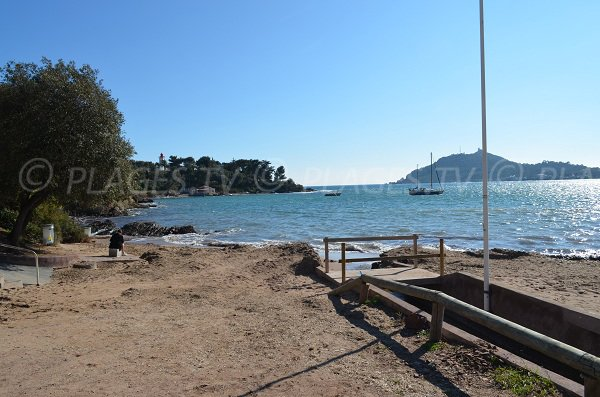 Beach in Agay with view on Dramont - Baumette
