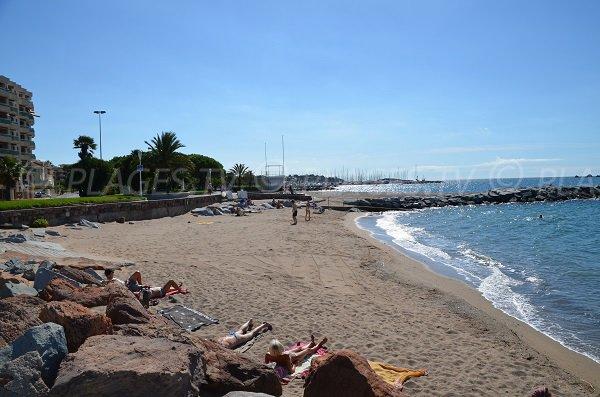 Spiaggia per le persone a ridotta mobilità a Saint Raphaël