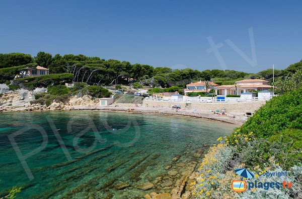 Photo of Beaucours beach in Sanary sur Mer in France