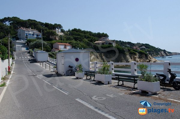 Street of Beaucours beach in Sanary