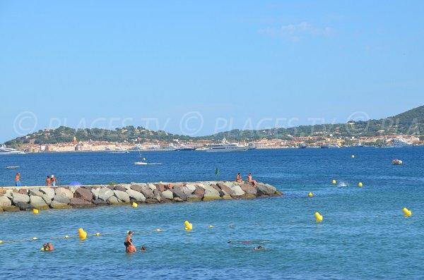 St Tropez depuis la plage de Grimaud