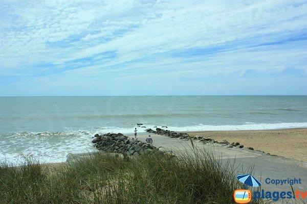Zone de mise à l'eau sur la plage des Becs