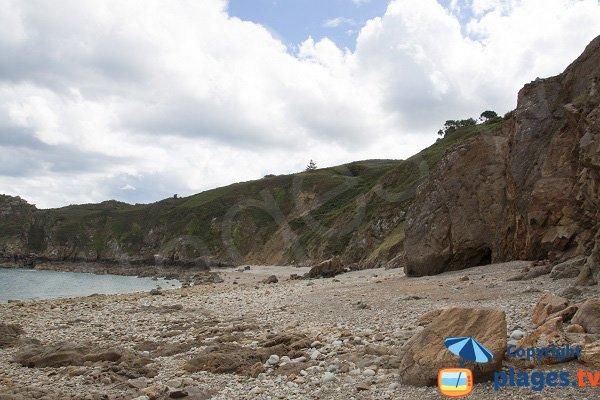 Plage après le port de Gwin Zegal - Bretagne