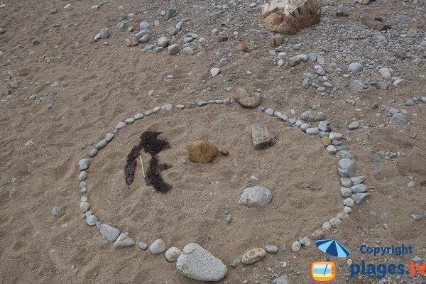 Land-art sur la plage de Plouha