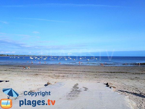 Cale de mise à l'eau sur la plage de Beg Lann à Sarzeau