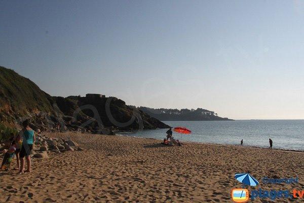 Pique nique sur la plage de Beg Méguer - Maez an aod