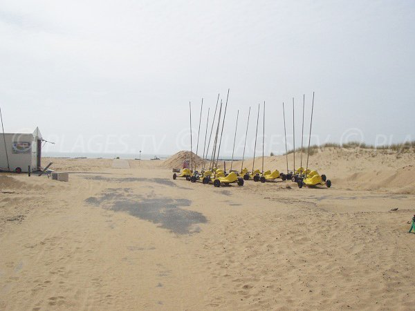 Char à voile sur la plage des Bellugas à La Faute sur Mer