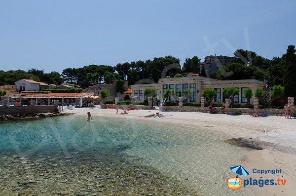 Bendor beach overview