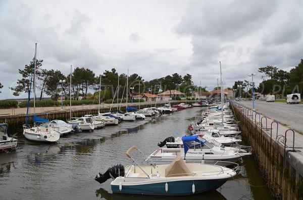 Port du Bétey à Andernos les Bains