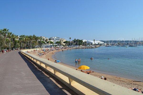 Promenade at Bijou beach in Cannes
