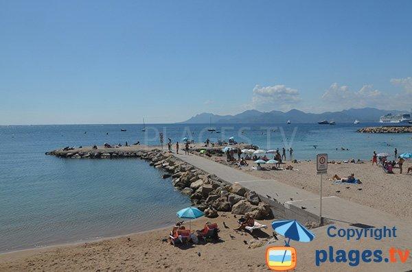 Ponton sur la plage Bijou-Plage - Cannes