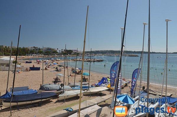 Photo de la plage Bijou-Plage en été - Cannes