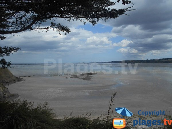 Bon Abri à marée basse - Hillion
