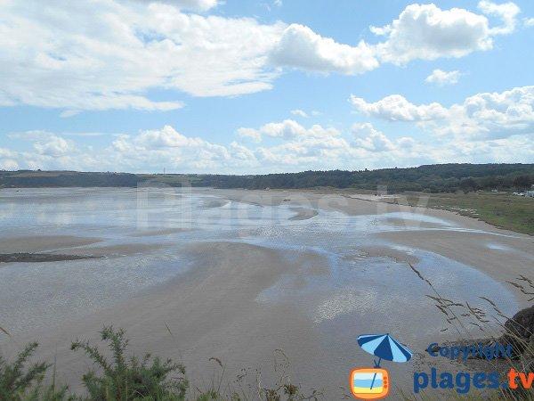 Photo de la plage de Bon Abri à marée basse - Hillion
