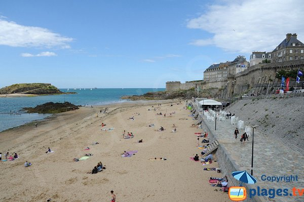 Photo of the Bon Secours beach in Saint Malo - France