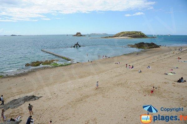 Piscine sur la plage de Bon Secours à Saint Malo