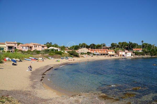 Quiet beach next to Pampelonne