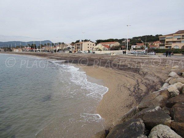 spiaggia pubblica Brutal Beach a Six Fours les Plages