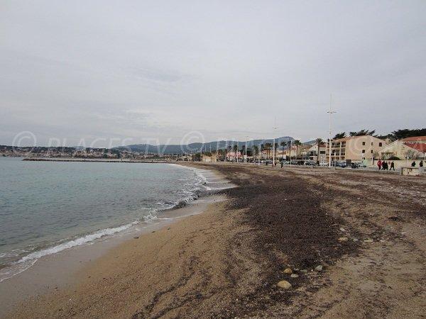 Spiaggia sorvegliata a Six Fours les Plages