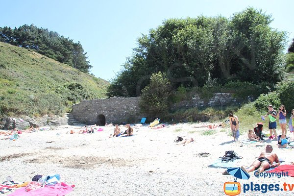 Beach with fortifications in Sauzon