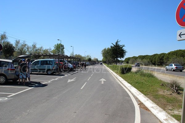 Parking of the Boucanet beach in Grau du Roi