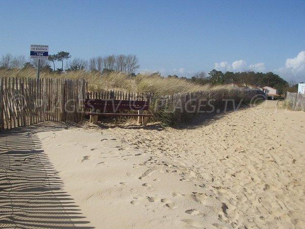 Accès à la plage du Bouchot à Grière-Plage