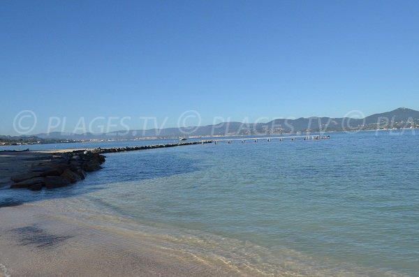 Clarté de l'eau de St Tropez de la Bouillabaisse