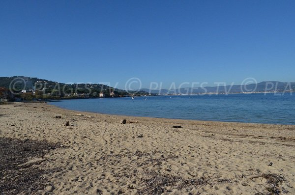 Saint-Tropez: Bouillabaisse beach in november