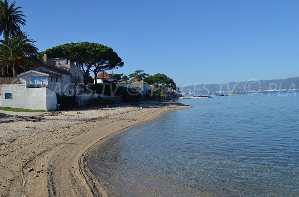 Partie ouest de la plage de la Bouillabaisse de St-Tropez