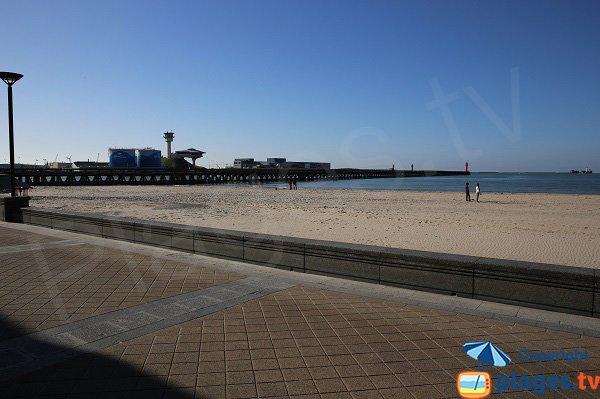 Vue sur la Jetée depuis la plage de Boulogne