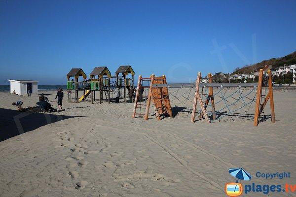 Aire de jeux pour les enfants sur la plage de Boulogne sur Mer