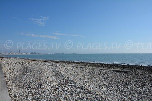 Vue sur Le Havre depuis la plage de Ste Adresse