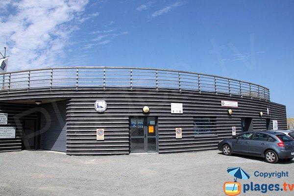 Poste de secours et centre nautique de Kerlouan