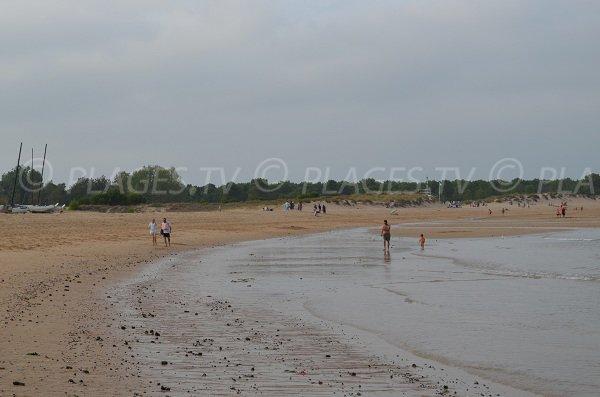 Boyardville beach at low tide