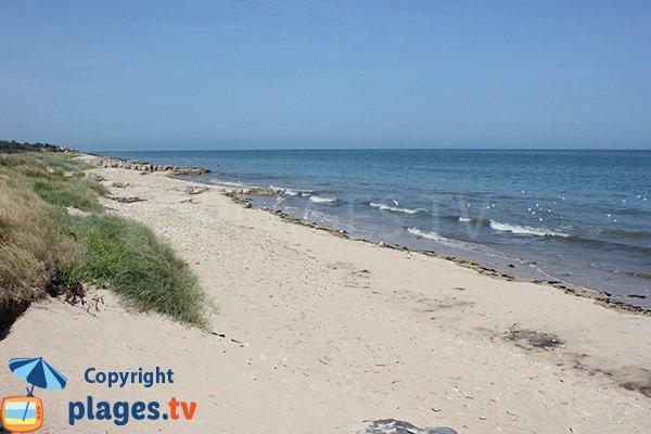 Photo of Brèche le Bisson beach in Graye sur Mer
