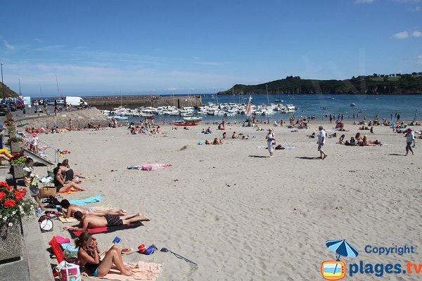 Bréhec et sa plage en été en Bretagne