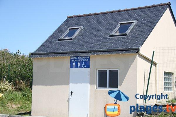 Sanitaire à proximité de la plage de Landéda - Brouennou