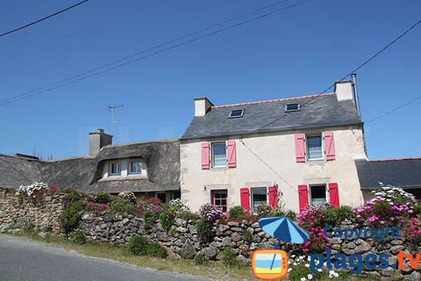 Maisons bretonnes à proximité de la plage de Brouennou - Landéda