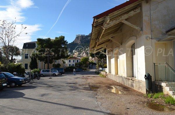 Parking de la gare de Roquebrune - Accès pour la plage du Buse