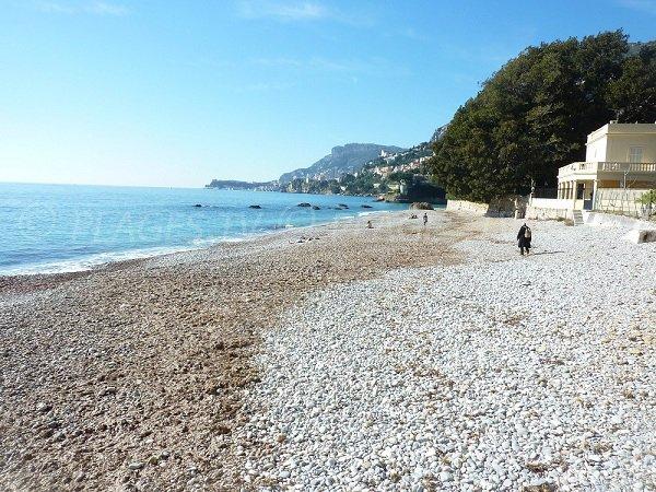 Galets sur la plage de Roquebrune Cap Martin