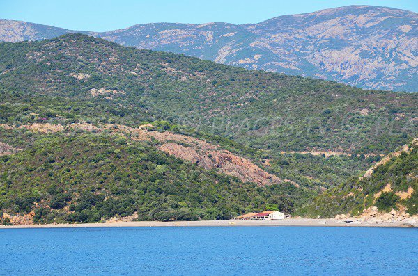 Photo de la plage de Bussaglia vue depuis la mer