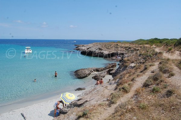 Eaux turquoises au Cap Corse - Cala Genovese