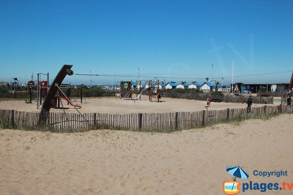 free play areas for children in Calais