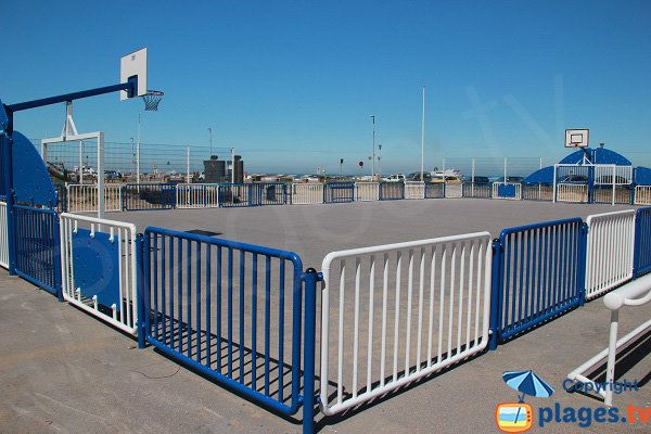 Basketball court near the Calais beach