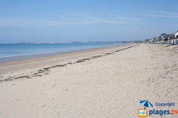 Grande plage du Jullouville