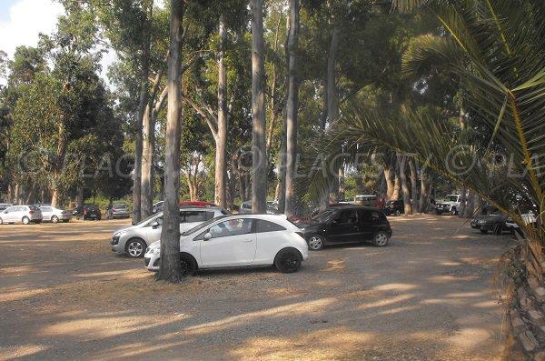 Parking gratuit de la plage de Calzarellu